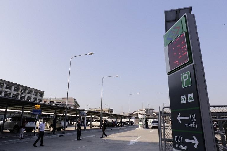 รฟม.ให้ใช้ฟรี! ลานจอดรถ สถานีเคหะฯ ช่วงทดลองสายสีเขียว