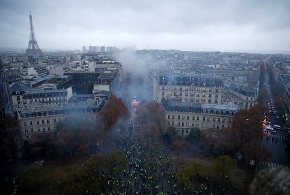 "InClip:""หอคอยไอเฟล- พิพิธภัณฑ์ลูฟวร์""กลางกรุงปารีสถูกสั่งปิดสุดสัปดาห์นี้ หนีประท้วงใหญ่เสื้อกั๊กเหลือง"