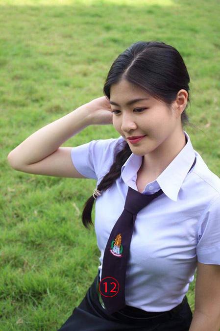 เมื่อครั้งเป็นสาวนักศึกษาที่คณะเศรษฐศาสตร์และบริหารธุรกิจ มซ -- คนจะสวยช่วยไม่ได้จริงๆ.