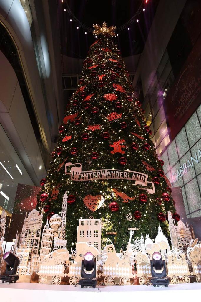 ตระเวนเช็คอินต้นคริสต์มาสสไตล์เก๋ ไอเดียกระฉูดไม่ซ้ำแบบใคร