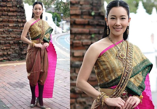 """""""นุ่น วรนุช"""" โพสต์ถามทำไมแต่งชุดไทยถ่ายรูปที่ป้อมพระสุเมรุไม่ได้?"""
