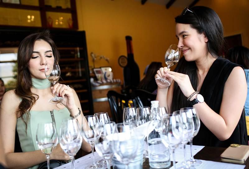 ไวน์เทสติ้งหลังการชมไร่องุ่น