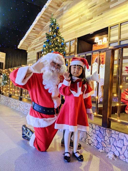 พบกับซานต้าใจดีที่งาน Christmas Wonderland