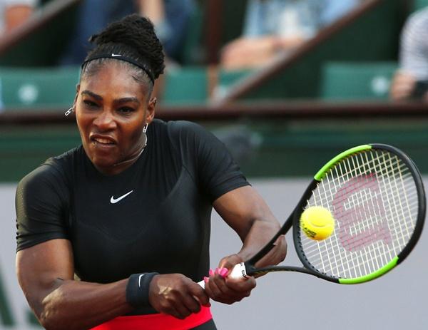 """WTA ขานรับไอเดีย """"เซเรนา"""" ป้องสิทธิ์มือวางนักหวดตั้งท้อง"""