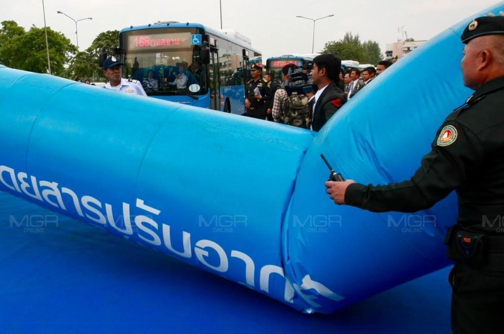 """""""บิ๊กตู่"""" เสียฤกษ์ อาร์คเวย์ล้มขวางเปิดตัวรถเมล์NGVใหม่-วอนร่วมปฏิรูปการเมือง"""