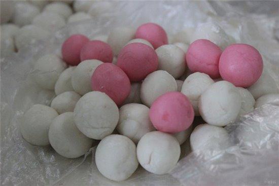 ลูกแป้งขนมอี๊ ขอบคุณภาพจาก http://baa.bitauto.com/fujian/thread-6527048.html