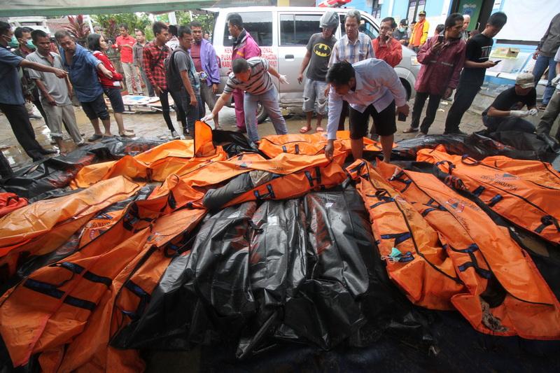 ยอดตาย 'สึนามิ' อิเหนาพุ่ง 281 ราย-บาดเจ็บกว่า 1,000 คน