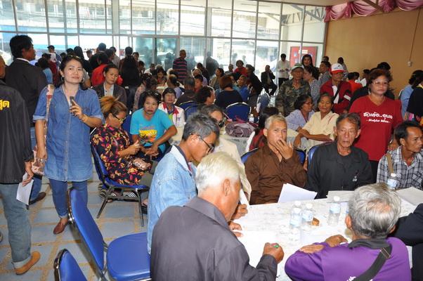 บรรยากาศพรรคเพื่อไทยเปิดรับสมัครสมาชิกในพื้นที่ 3 จังหวัดอีสานใต้