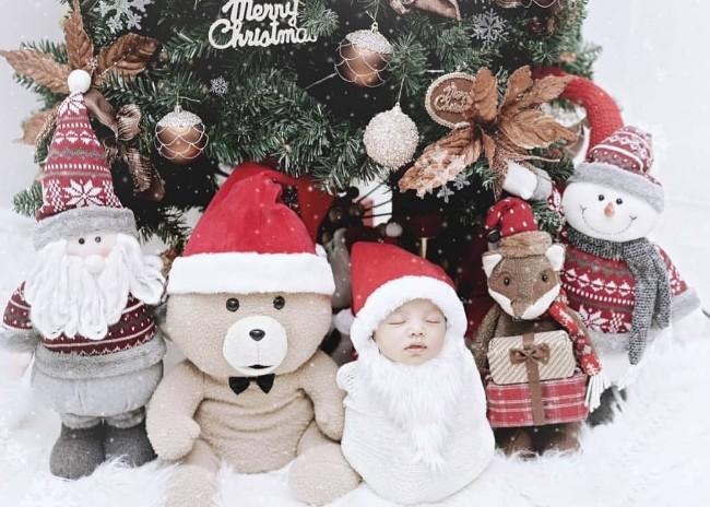 """""""นิวเคลียร์"""" ส่งความสุขจับ """"น้องไทก้า"""" แต่งซานต้าเรียกรอยยิ้มแฟนคลับ"""
