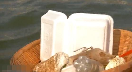 """เสร็จภารกิจ 14 วัน """"พายเรือเพื่อเจ้าพระยา"""" เก็บขยะได้กว่า 2 ตัน"""