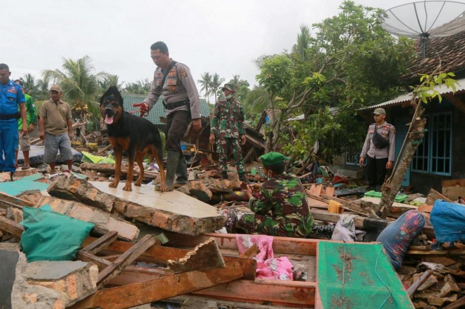 ยอดตายสึนามิอินโดฯ เพิ่มเป็น 429 ศพ เร่งระดมกำลังกู้ภัย-ห่วงน้ำกับยาร่อยหรอ