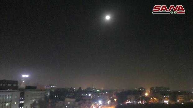 เดือด!สื่อซีเรียเผยถูกโจมตีต้องยิงสกัด'ศัตรู'ใกล้กรุงดามัสกัส คาดฝีมือ'อิสราเอล'(ชมคลิป)