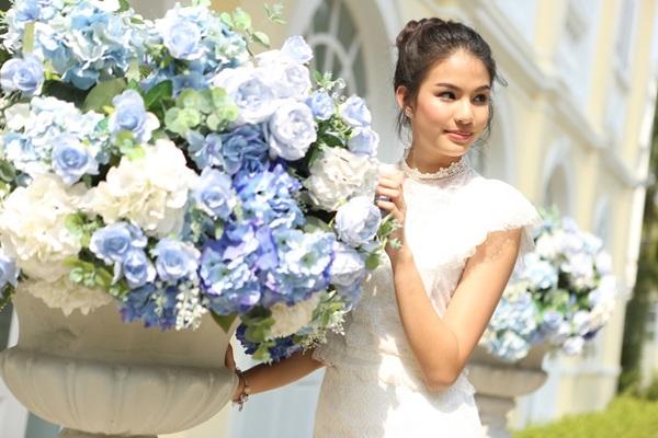 5 สาว ตัวแทนมิสทีนไทยแลนด์ แจกความสดใส พร้อมอวยพรปีใหม่ 2019
