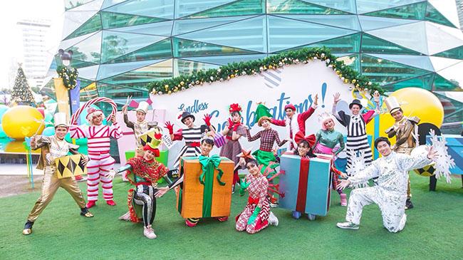 กลุ่มบริษัท คิง เพาเวอร์ และ บริษัท เดอะ วอลท์ ดีสนีย์ (ประเทศไทย) จำกัด เชิญชวนต้อนรับเทศกาลแห่งความสุขด้วยของขวัญสุดพิเศษ และเฉลิมฉลองไปกับเหล่าผองเพื่อนสุดน่ารักจากวอลท์ ดีสนีย์