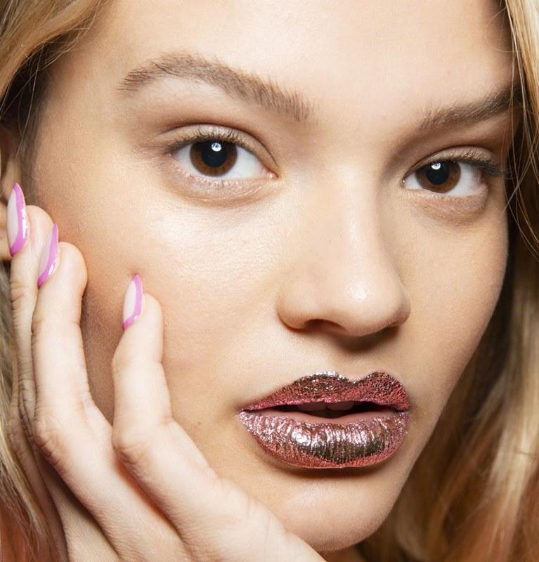 Bold Foil Lip จาก Jeremy Scott