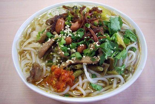 ไหหนำฮุ้นหรือขนมจีนไหหลำ (แบบน้ำ) ขอบคุณภาพจาก http://m.hfcypx.com/hnxiaoc/758.html