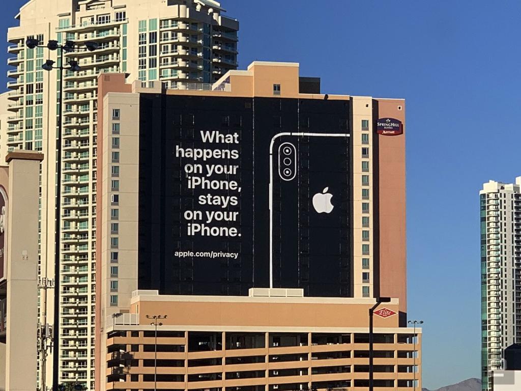 """Apple ชิงโฆษณากลาง CES จวกคู่แข่งเรื่องความเป็นส่วนตัว """"privacy"""""""