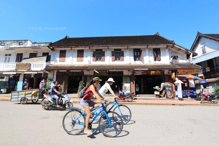 ปั่นจักรยานเที่ยวชมเมืองเก่าหลวงพระบาง