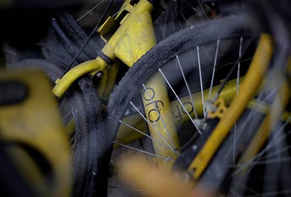 จักรยาน Ofo ที่พังเสียหายในชานเมืองปักกิ่ง ภาพ ธ.ค. (ภาพ รอยเตอร์ส)