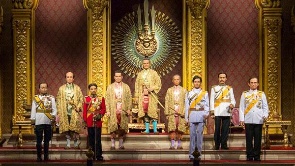 """พิพิธภัณฑ์หุ่นขี้ผึ้งไทยเปิดรั้วต้อนรับเด็ก ชมฟรี """"หุ่นขี้ผึ้งไทย"""" ประติมากรรมระดับโลก"""