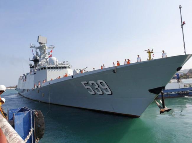 กัมพูชาเปิดบ้านรับ 3 เรือรบจีนเทียบท่าสีหนุวิลล์ ส่งเสริมความร่วมมือทางทหาร