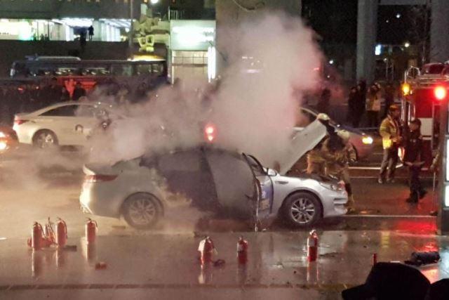 """สลด! แท็กซี่เกาหลีใต้ """"เผาตัวตาย"""" ประท้วงบริการร่วมใช้รถเป็นรายที่สอง"""