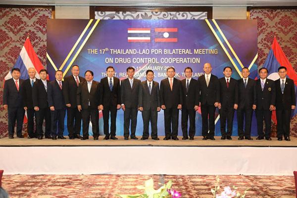 """""""ประจิน"""" แจงผลการประชุมทวิภาคีไทย-ลาว ปราบปรามยาเสพติด ครั้งที่ 17"""