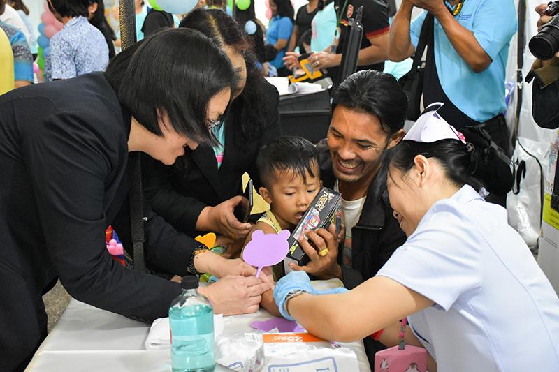 """กรมควบคุมโรค จัดตรวจ """"สารตะกั่ว"""" เด็กต่ำกว่า 5 ขวบ - ของเล่น พ่วงวัดไอคิวทั่วประเทศ เป็นของขวัญวันเด็ก"""