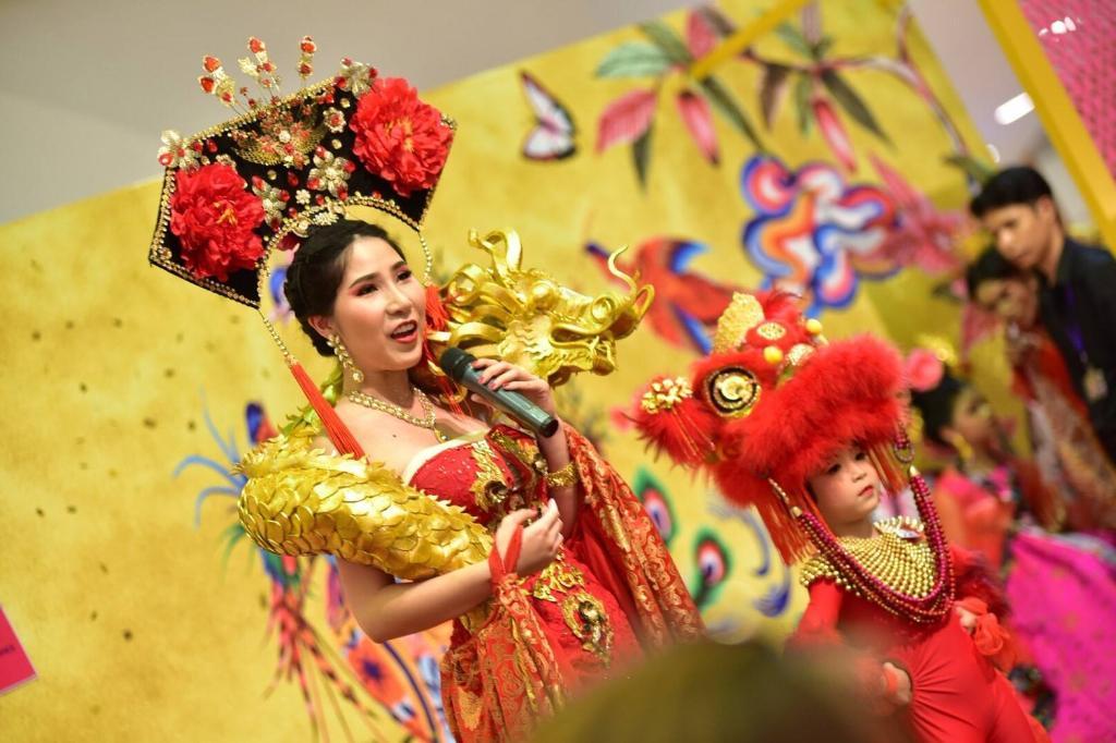 เดอะมอลล์ ช้อปปิ้งเซ็นเตอร์ ฉลองตรุษจีนชวนคู่แม่ลูกประกวดการแต่งกายสุดอลังการ  ในงาน The Mall Mama & Me contest 2019 presented by เมืองไทยประกันชีวิต