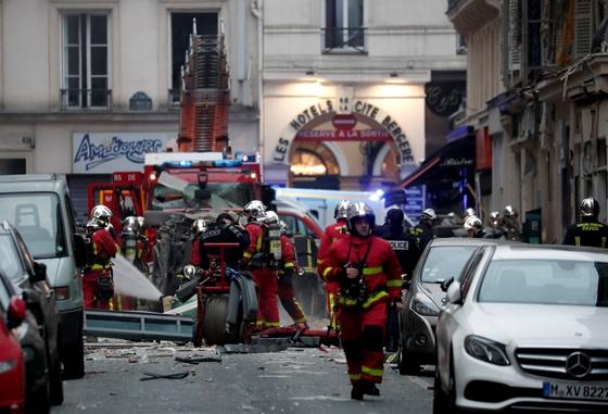 In Pics: ระทึก!!เกิดแก๊สรั่วในร้านเบเกอรีกลางกรุงปารีสใกล้จุดประท้วงเสื้อกั๊กเหลือง ตูมสะนั่นดังไกล ดับ 3 เจ็บ 47