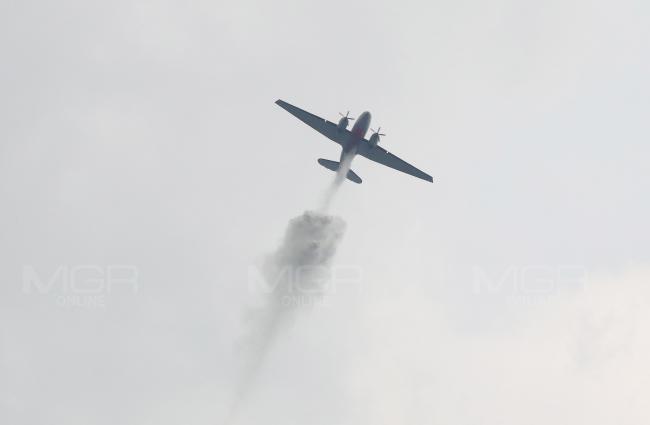 เครื่องบิน BT-67 โปรยละอองน้ำ 3,000 ลิตร ลดฝุ่นละอองใน กทม.