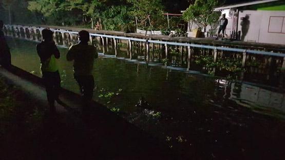 เด็กหายหลังถูกตี ญาติคาดตกคลองนักประดาน้ำลงงมแต่ไร้วี่แวว