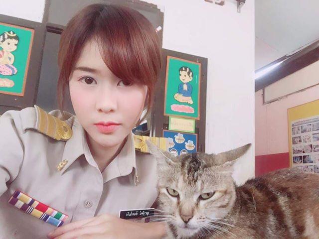 ครูใบเตย สอนวิชาภาษาไทย โรงเรียนบ้านดินแดงน้อย จังหวัดกระบี่