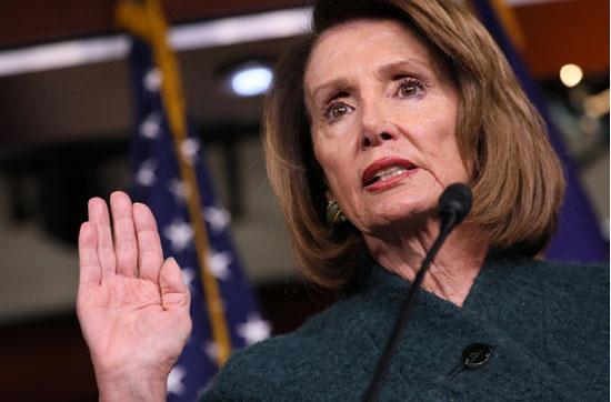 Nancy Pelosi : ประธานสภาผู้แทนฯ เริ่มรุก