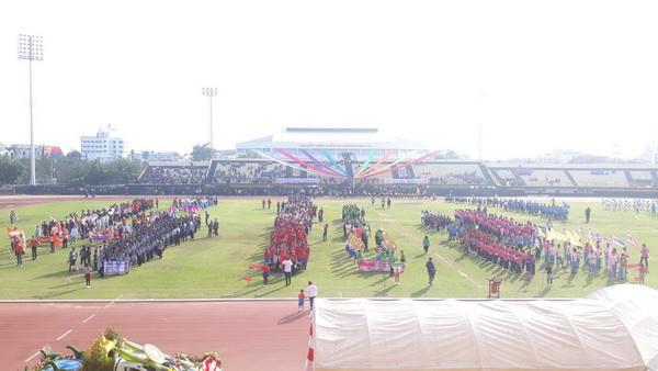 นักเรียนขอนแก่นร่วมแข่งกีฬาสีโรงเรียนเอกชนคับคั่ง