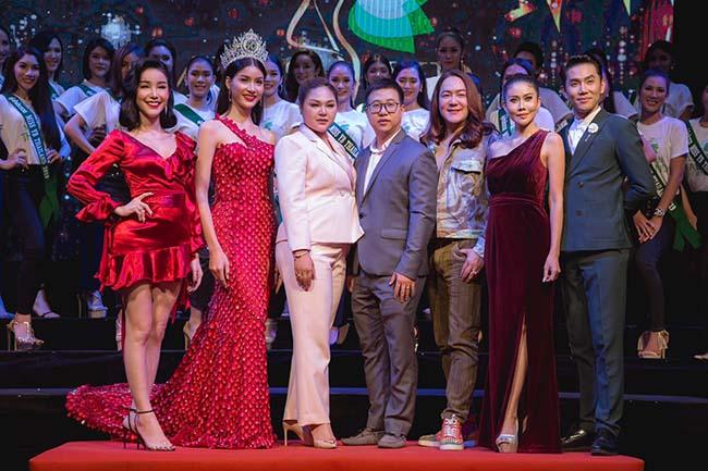 """""""โก้ ธีรศักดิ์ - ปิ๋ม ซีโฟร์"""" ประชันแซ่บ รับหน้าที่โค้ชประกวดสาวสอง Miss YB Thailand"""