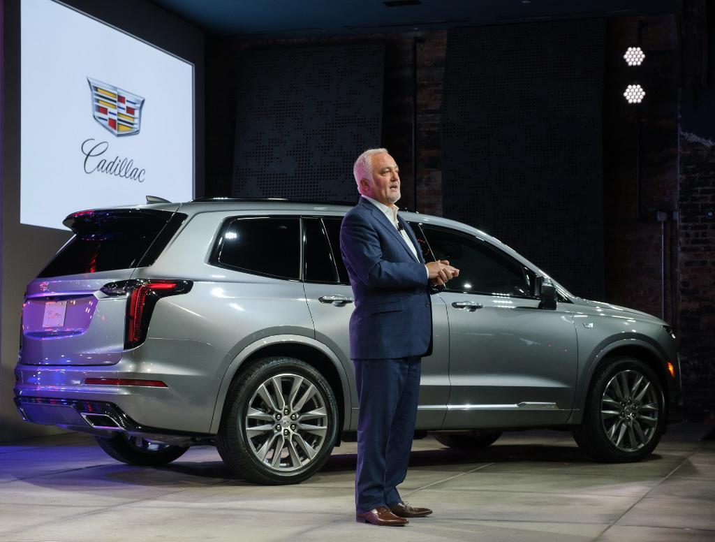 Cadillac ห่างหายจากการเจาะตลาด SUV มานานคราวนี้เผยผลิตใหม่ในชื่อ XT6 หรูหราและเร้าใจกับเครื่องยนต์วี6 3,600 ซีซี 310 แรงม้า และจะเริ่มจำหน่ายในสหรัฐอเมริกากลางปีนี้