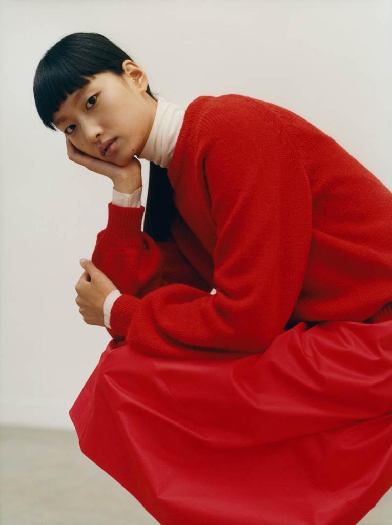 Red jumper ราคา 3,990 บาท, Red dress ราคา 4,990 บาท