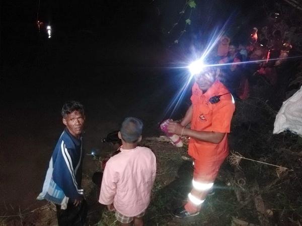 พ่อใจสลาย!พี่ 8 ขวบพาน้องชาย 6 ขวบ ไปเล่นน้ำกับเพื่อน โชคร้ายน้องจมน้ำยมดับหลังโรงเรียน