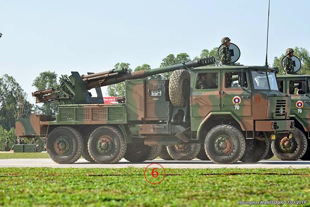 PCL-09 122 มม.ปรากฏตัวในวันซ้อมใหญ่ 17 ม.ค. -- ลาวจัดหาจากจีนไม่กี่ปีมานี้ เป็น ป.อัตตาจรระบบแรกของกองทัพ ใช้กระสุนขนาดเดียวกันกับ D30 จากโซเวียต. -- ภาพโดยหุมเพ็ด มะนีสุก.