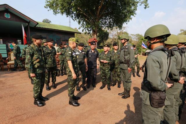 มทภ.1 ตรวจเยี่ยมกำลังพลกองกำลังสุรสีห์ที่ปฏิบัติหน้าที่ตามแนวชายแดน จ.กาญจนบุรี
