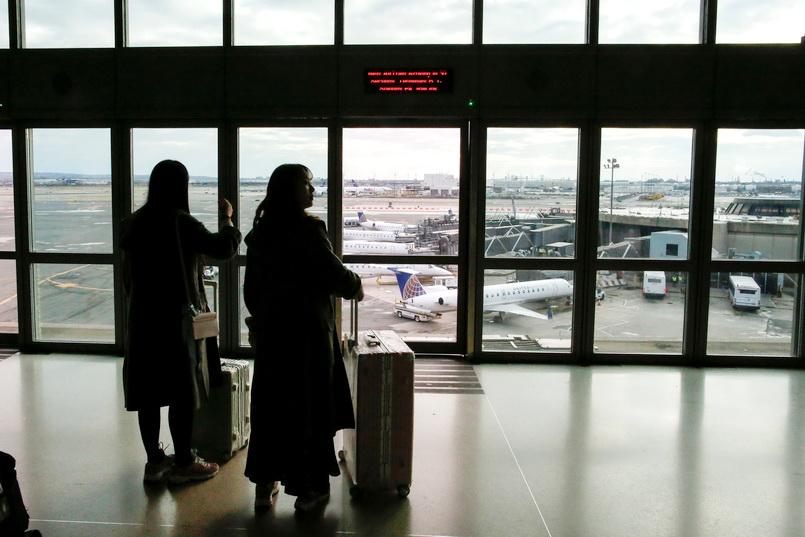 ระทึก! สนามบินนูอาร์กเจอ 'โดรน' ป่วน ต้องระงับเครื่องบินลงจอดชั่วคราว