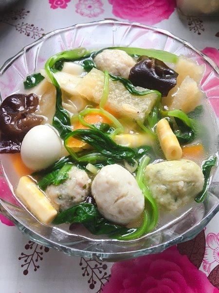 ช็อพสุยต้มรวมมิตร ขอบคุณภาพจาก https://www.xiachufang.com/recipe/103378640/