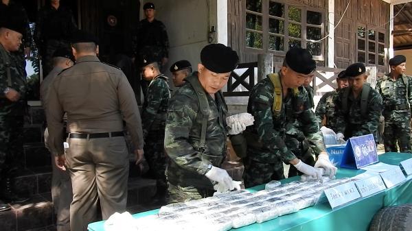 ชั่วเกินบรรยาย!หนุ่มพม่าเปิดบากโดนจับลูกเมีย แลกขนยางอะไหล่ยัดยาข้ามน้ำเข้าไทย