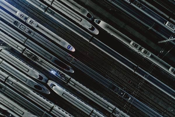 รถไฟหัวกระสุนในอู่บำรุงรักษารถไฟความเร็วสูงในมณฑลกว่างตง เตรียมความพร้อมก่อนช่วงการเดินทางเทศกาลตรุษจีน ภาพ วันที่ 18 ม.ค. 2019 (ภาพ รอยเตอร์ส)