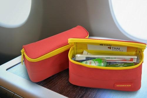 การบินไทยมอบกระเป๋าในเทศกาลตรุษจีน
