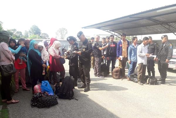 ตม.สระแก้วร่วมทหารพราน ตรวจเข้มชาวกัมพูชาอิสลามผ่านไทยหวั่นซ้ำรอยดอดฝึกอาวุธภาคใต้