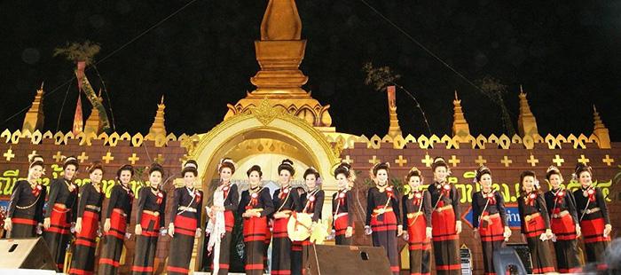 """เที่ยวทุ่งโฮ้งถิ่นหม้อห้อมงาม ยลประเพณี""""กำฟ้าไทยพวน"""" อันงดงามเป็นเอกลักษณ์ แห่งเมืองแพร่"""