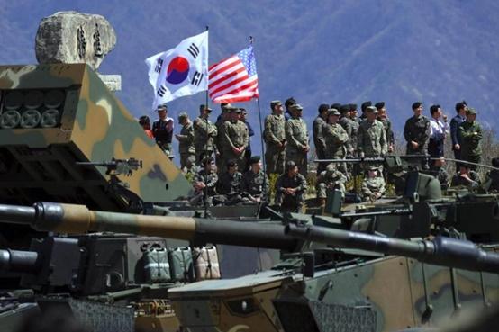 """In Clips: """"เกาหลีใต้-สหรัฐฯ"""" ตกลงในหลักการ โซลยอมจ่ายเพิ่มเกือบ 1 พันล้านดอลลาร์ให้ทรัมป์คงทหารไว้ในประเทศต่อ"""