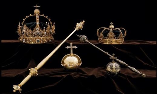 "InClip:ตำรวจสวีเดนแถลงพบ ""มงกุฎกษัตริย์สวีเดนสมัยศตวรรษที่ 17"" ที่ถูกโจรสปีดโบ๊ทขโมย บนฝาถังขยะในสต็อกโฮล์ม"